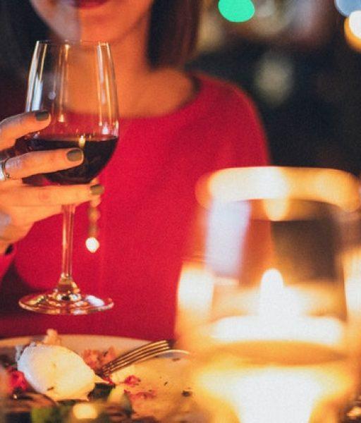 CELEBRACIONES EPECIALES Celebración especial. Habitación y cena en la Zona Monumental. El precio varia según el restaurante.